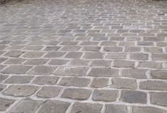 Choose from our Yorkstone setts & cobbles, perfect for paving and patios. All Yorkstone Supplies products are made in the UK with nationwide delivery available. Granite Paving, Paving Slabs, Block Paving, Paving Stones, Modern Landscaping, Backyard Landscaping, Cobbled Driveway, Cobblestone Driveway, Driveway Design