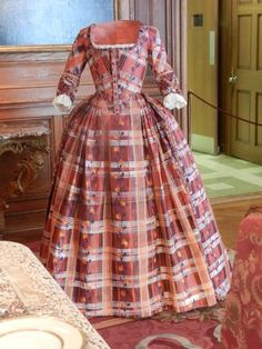 A fabulous PAPER gown on display at the Isabelle de Borchgrave exhibit, Prêt-à-Papier, at the Hillwood Estate, Museum & Gardens in Washington, D.C., which was the former residence of businesswoman, diplomat, philanthropist, and collector Marjorie Merriweather Post.
