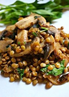 SAŁATKA Z ZIELONĄ SOCZEWICĄ I PIECZARKAMI Vegetable Recipes, Vegetarian Recipes, Cooking Recipes, Healthy Recipes, Appetizer Salads, Le Diner, Veggie Dishes, Indian Food Recipes, Food Inspiration