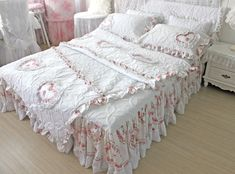 unique white quilting&duvet cover red heart ruffle bedspread 3pcs/4pcs bedding set king luxury lace korean quilts comforter set $168.00