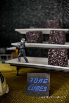 Star Trek: The Next Generation Party - Horrible Housewife Star Trek: The Next Generation party food- Borg Cubes (marshmallow treats) Star Trek Party, Star Trek Cake, Star Trek Birthday, Star Trek Theme, 50th Birthday, Birthday Ideas, Birthday Parties, Star Wars, Star Trek Wedding