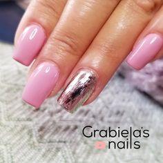 #pink #gold #shortnails aqui un como y destacado diseño en ña tonalidad rosado. Espero que les guste! Nails, Pink, Beauty, Finger Nails, Ongles, Cosmetology, Pink Hair, Nail, Roses
