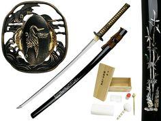 http://takumiwarrior.com/wp-content/uploads/2014/08/black-pearl-bushido-katana-sword.jpg
