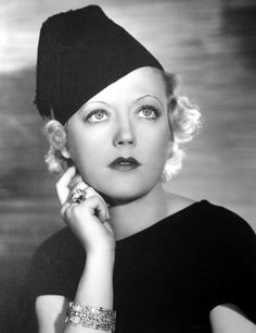 Marion Davies was hatmaker Lilly Daché's first Hollywood celebrity customer.