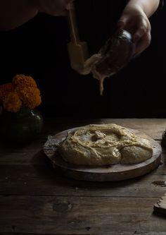 PAN DE MUERTO | RÚSTICA Stuffed Mushrooms, Pizza, Vegetables, Food, Gold Leaf, Pan De Muerto, Dough Balls, Artisan Bread, Food Recipes