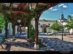 Plaza de la Virgen de los Remedios - Sonseca (Toledo) Plaza, Pergola, Outdoor Structures, Explore, Remedies, Blue Prints, Outdoor Pergola, Exploring, Arbors