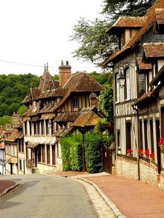 Lyons la Forêt, Maison de séjour de Ravel Lyons La Foret, Fairytale House, Le Village, Ville France, Beaux Villages, Belle Villa, Holidays 2017, We Fall In Love, Provence