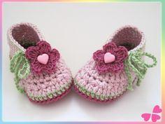 Häkelanleitung für Babyschuhe, Babyschuhe, Baby, Schuhe, häkeln, Babyschuhe häkeln, Babyschuhe selber häkeln, Anleitung, Häkelanleitung, Babyboots, Babyboots häkeln, Häkelschuhe, Häkelschuhe für Baby, selber häkeln, Häkelblume, Blume häkeln, Babyschuhe mit Häkelblume
