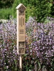 Wooden Insect Hotel with Stake #howtobuildabirdhouse