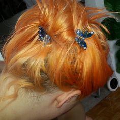 my body's made of crushed little stars, Sagittarius sun & moon, Taurus rising. Aesthetic Hair, Orange Aesthetic, Dye My Hair, Grunge Hair, Pretty Hairstyles, Hair Looks, Kawaii, Red Hair, Hair Inspiration