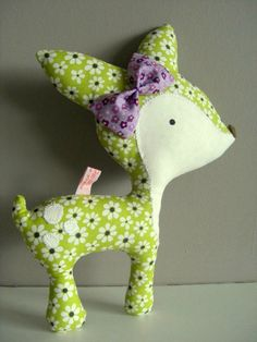 Fabulous fabric deer     move the bow to the neck, make for c!