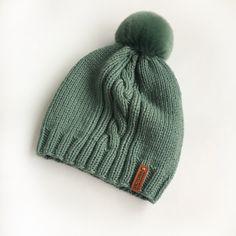 Для девочки, очень мягкая. 100% меринос, помпон кролик (съёмный). Knitted Hats, Knitting, Fashion, Breien, Moda, Tricot, Fashion Styles, Stricken, Weaving