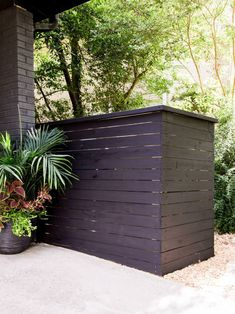 How to Build a Garbage Can Screen Hide your unsightly trash can with a stylish wood screen. Garbage Can Shed, Garbage Can Storage, Bin Storage, Storage Ideas, Recycling Storage, Trash Can Storage Outdoor, Outdoor Trash Cans, Backyard Storage, This Old House