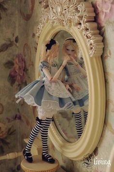 Alice In Wonderland Ball Jointed doll :BJD Pretty Dolls, Cute Dolls, Beautiful Dolls, Ball Jointed Dolls, Alice Madness, Adventures In Wonderland, Paperclay, Doll Repaint, Through The Looking Glass