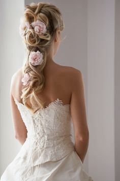 Irish Traditional. Flowers in Hair.