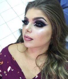 Aqueeela Makeup! �������� Se vc não é nada discreta, ama uma maquiagem bafônica para a noite, uns cílios que chegam antes de qualquer um... Então esse é o estilo ideal para você mulheer! Ou apenas se vc quer sair do tradicional... ��❤️ Eu amo!! #DeboraPereiraBeauty #Maquiadora #MakeUp #Maquiagem #makeupforever #MaquiadoraRecife #MakeUpRecife #MaquiadoraJoaoPessoa #MakeupJoaoPessoa #Hair #Formandas #Madrinhas #Noivas #Debutantes #Beauty #Casamento #Bride #noivasunidasderecife #Kryolan #Mac…