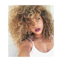 curly hair of girls via Tumblr We Heart It ❤ liked on Polyvore featuring hair, hairstyles and people