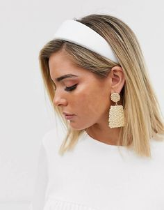 Discover hair accessories with ASOS. From beaded headbands to hair clippers and hair bows, our range of hair accessories has something for every occasion. Wedding Headband, Hairband Hairstyle, Bridal Hairstyle, Men's Hairstyle, Ponytail Hairstyles, Hairstyles Haircuts, Headbands For Short Hair, Braided Headbands, Short Hair Accessories