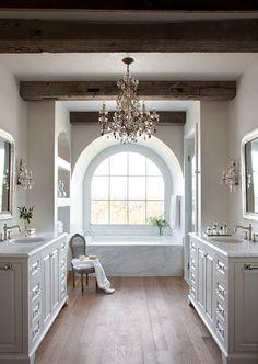 Elegant French Rustic Bath | L'extravagance