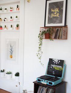 Record player shelf