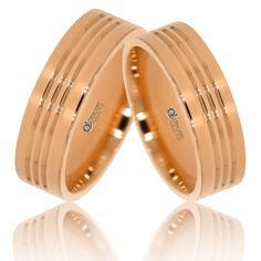 Designul deosebit al Verighetelor ATCOM ATC224 aur roz este redat prin cele trei santulete ce strabat inelele pe jumatate. Aur, Nespresso, Victoria, Sandals, Shoes, Design, Shoes Sandals, Zapatos, Shoes Outlet
