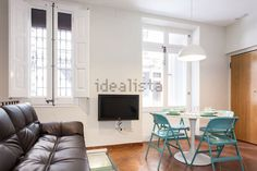 Image of duplex in calle del baluard, 7 Duplex For Rent, Barcelona Apartment, Conference Room, Table, Image, Furniture, Home Decor, Floors, Decoration Home