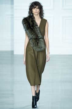 Jason Wu fall/winter 2015 collection - New York fashion week. New York Fashion, Fashion Week, Runway Fashion, High Fashion, Fashion Show, Fashion Design, Jason Wu, 2015 Trends, Fall Trends