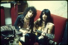 1973 Syl Sylvain and Johnny Thunders. Photo by Toshi.