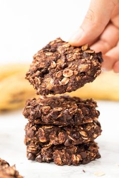 These INSANELY Healthy Oatmeal Cookies are made with just 6 ingredients and have no gluten dairy eggs sugar or oil! These INSANELY Healthy Oatmeal Cookies are made with just 6 ingredients and have no gluten dairy eggs sugar or oil! Healthy Baking, Healthy Treats, Healthy Desserts, Healthy Cookie Recipes, Healthy Sweet Snacks, Diabetic Desserts, Healthy Breakfasts, Meal Recipes, Diabetic Recipes