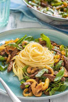 Mediterranes Rindfleisch mit Rucola - besonders lecker dazu schmecken Spaghetti! #schnelles #abendessen #rindfleisch