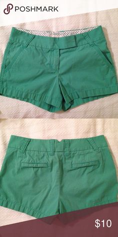 """Women's Jcrew Factory Shorts Women's Jcrew factory """"summer wright"""" chino short (the fabric is not the same as their regular chino material, it is softer and a big lighter) Size 6 (these seem to run a bit small, and feel more like a 4/6) 3 inch inseam, good condition! J. Crew Shorts"""
