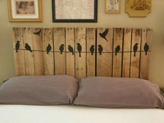You are currently watching here the result of your Pallet Headboard DIY Instructions. If you like the Pallet Headboard DIY Instructions then I suggest to you Diy Bett, Diy Design, Interior Design, Design Ideas, Pallet Crafts, Diy Pallet, Pallet Projects, Pallet Beds, Pallet Porch