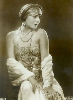 Vilma Banky, 1920's