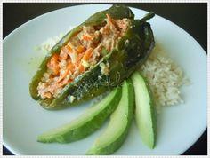 Chiles rellenos de ensalada de atún | Madeleine Cocina