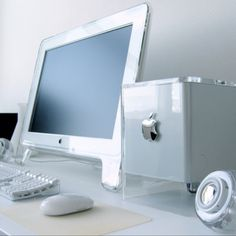 Apple Mac G4 Cube.. I so wanted one of these.