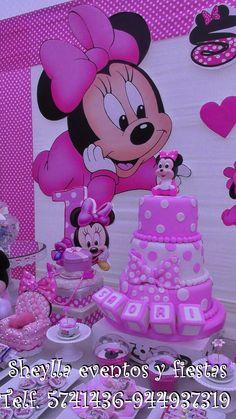 torta, decoracion, Minnie Mini Mouse 1st Birthday, Minnie Birthday, Little Girl Birthday, Baby Birthday, 1st Birthday Parties, Minnie Mouse Party Decorations, Mouse Parties, Mickey Mouse Baby Shower, Instagram
