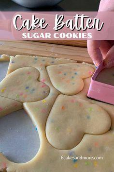 Soft Sugar Cookies, Iced Cookies, Sugar Cookies Recipe, Decorated Sugar Cookie Recipe, Cut Out Sugar Cookies, Sugar Cookie Decorating, Fancy Cookies, Decorated Cookies, Holiday Cookie Recipes
