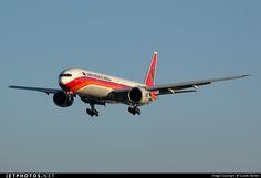 Boeing 777-3M2ER D2-TEH 40806 Lisbon Aeroporto da Portela de Sacavem - LPPT