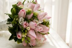 nice tulips. hääkimppu, mitä se merkitsee morsiamelle?