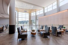 Outpatient medical services are a growing demand in the healthcare industry, so we collaborated with WellStar to redefine and evolve the outpatient building model. Holistic Wellness, Health And Wellness, Health Care, Glass Railing, Glass Facades, Atrium, Open Concept, Walkway, Natural Light