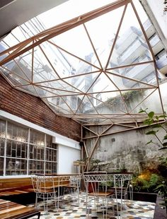 Risultati immagini per faced glass ceiling inside taller de té café