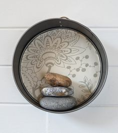 How to Upcycle Cake Tins into Round Floating Shelves · vicky myers creations Floating Cabinets, Floating Wall Shelves, Cement Walls, Feature Wallpaper, Plant Shelves, Baking Tins, Cake Tins, Animals For Kids, Tray Bakes