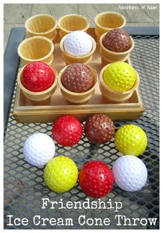 Easy to make with plastic golf balls and ice cream cups. Throw an ice cream ball, catch it in the ice cream cup and give a friend a compliment. Ice Cream Games, Ice Cream Theme, Ice Cream Day, Ice Cream Parlor, Preschool Games, Preschool Class, Preschool Learning, Early Learning, Teaching