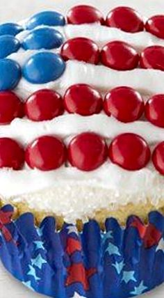 Star-Spangled Cupcakes - a super easy patriotic treat!