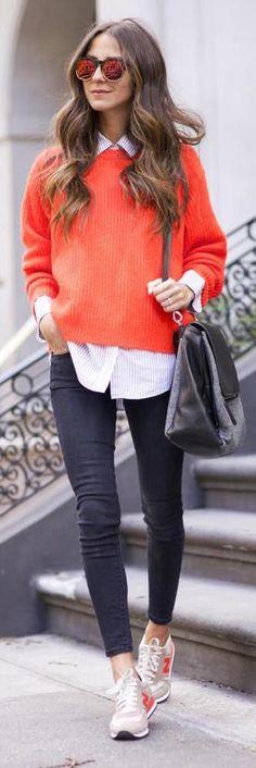 perfect outfit for pumpkin season on aime le pull orange qui donne le caché a cette tenue / La tendance street-wear est définitivement en vogue cette saison