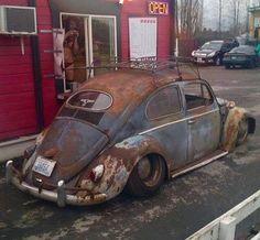 Loving this look Slammed Vw beetle Oval Vw Bus, Vw T1 Camper, Vw Rat Rod, Rat Rods, Vw Baja Bug, Vw Vintage, Beach Buggy, Rusty Cars, Oldschool