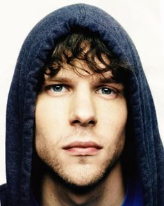 I seriously have theeee biggest geek crush on Jesse Eisenberg.