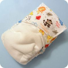 Free Fitted Diaper Pattern with Photo Tutorial (thinking about doing these for Charlie at night once he is potty trained) Baby Sewing Projects, Sewing For Kids, Couches, Cloth Diaper Pattern, Diy Diapers, Baa Baa, Cloth Nappies, Baby Mine, Photo Tutorial