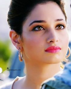 Great Tips For People Who Want Perfect Skin Most Beautiful Faces, Most Beautiful Indian Actress, Beautiful Hijab, Beautiful Actresses, Gorgeous Women, Beauty Full Girl, Cute Beauty, My Beauty, Beauty Women