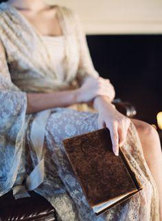 Simple and Natural Bridal Boudoir Session - Wedding Sparrow | Best Wedding Blog | Wedding Ideas
